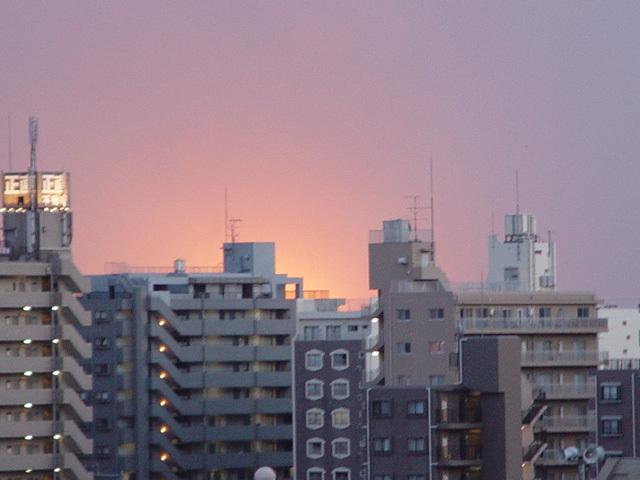 地震後の市原コンビナートの爆発.jpg