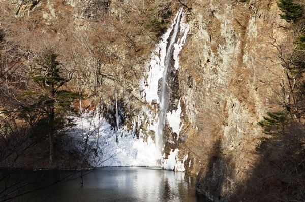 回顧(みかえり)の滝.JPG